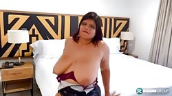 PornMegaLoad Mia Lopez - Too Hot For Her Dress