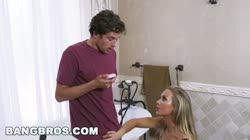 BANGBROS - Bath Time with Big Tits MILF Nicole Aniston (bbc16015)